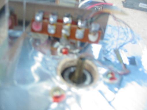 rewiring the turntable-under-metal-plate.jpg