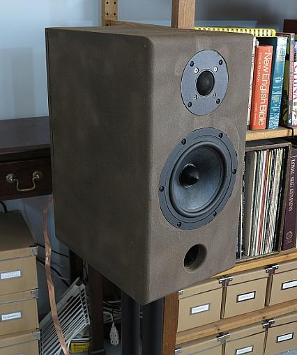 Newly completed DIY 2-way Dayton Reference-dayton_speakers_fr_right.jpg