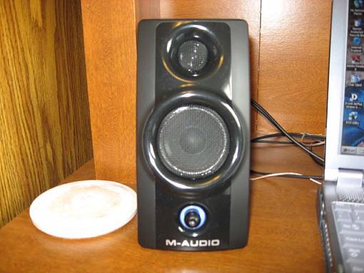 M-Audio Speakers-img_0490.jpg