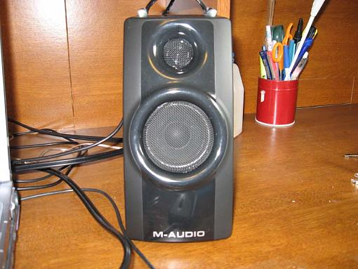 M-Audio Speakers-img_0491.jpg