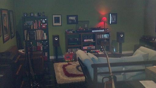 My listening space-2012-07-08_17-37-56_971.jpg