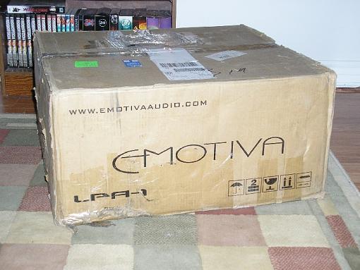 Emotiva LPA-1, 7 channel amplifier-outer_box.jpg