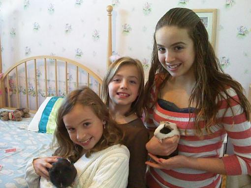 Girls with the New Pig!-img082.jpg