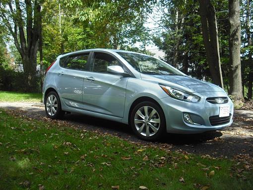 Car Talk: I'm looking for a compact hatch-hyundai-driveway.jpg
