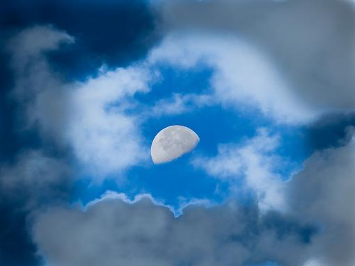 Just dropped in to say Hi!-daytime-moon-2-small.jpg