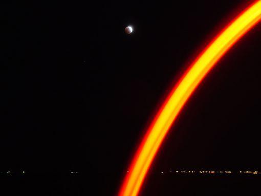 Dark side of the moon-moonie-041.jpg