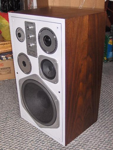 Vintage Marantz HD770 with White Baffle-picture-614.jpg