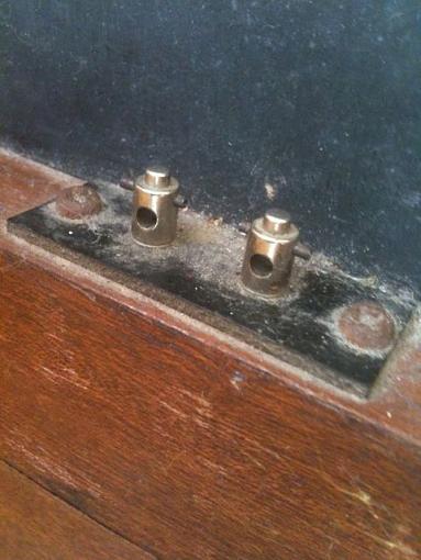 Vintage Speakers Info-connectors.jpg